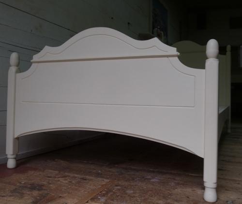 フレンチデザインのベッド8