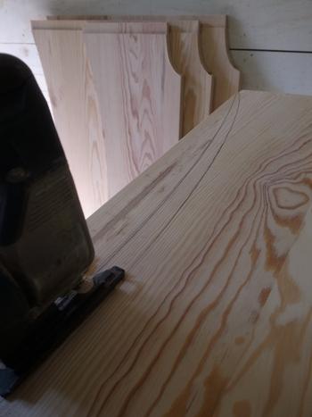 フレンチデザインのベッド1