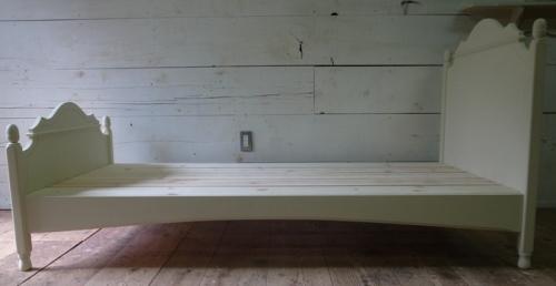 フレンチデザインのベッド11