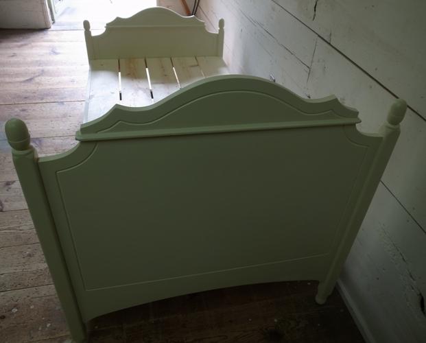 フレンチデザインのベッド9