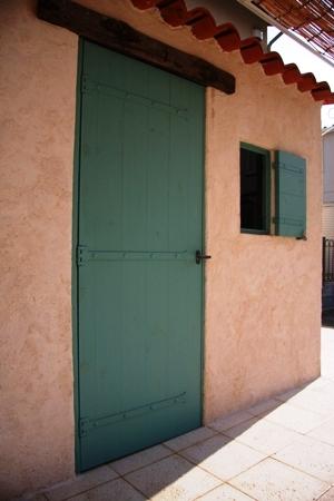 ブルーグリーンの扉